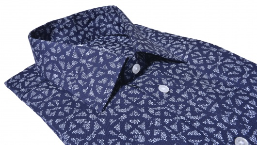 Tmavomodrá Slim Fit košeľa s printom